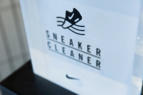 sneaker_cleaner_1.jpg
