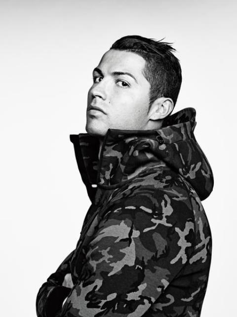 Cristiano-Ronaldo-per-Nike-Tech-Pack-Fleece-Collection-2015.jpg